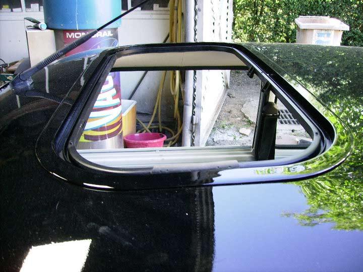 Minicorp british lifestyle joint de toit ouvrant for Changer une fenetre de toit